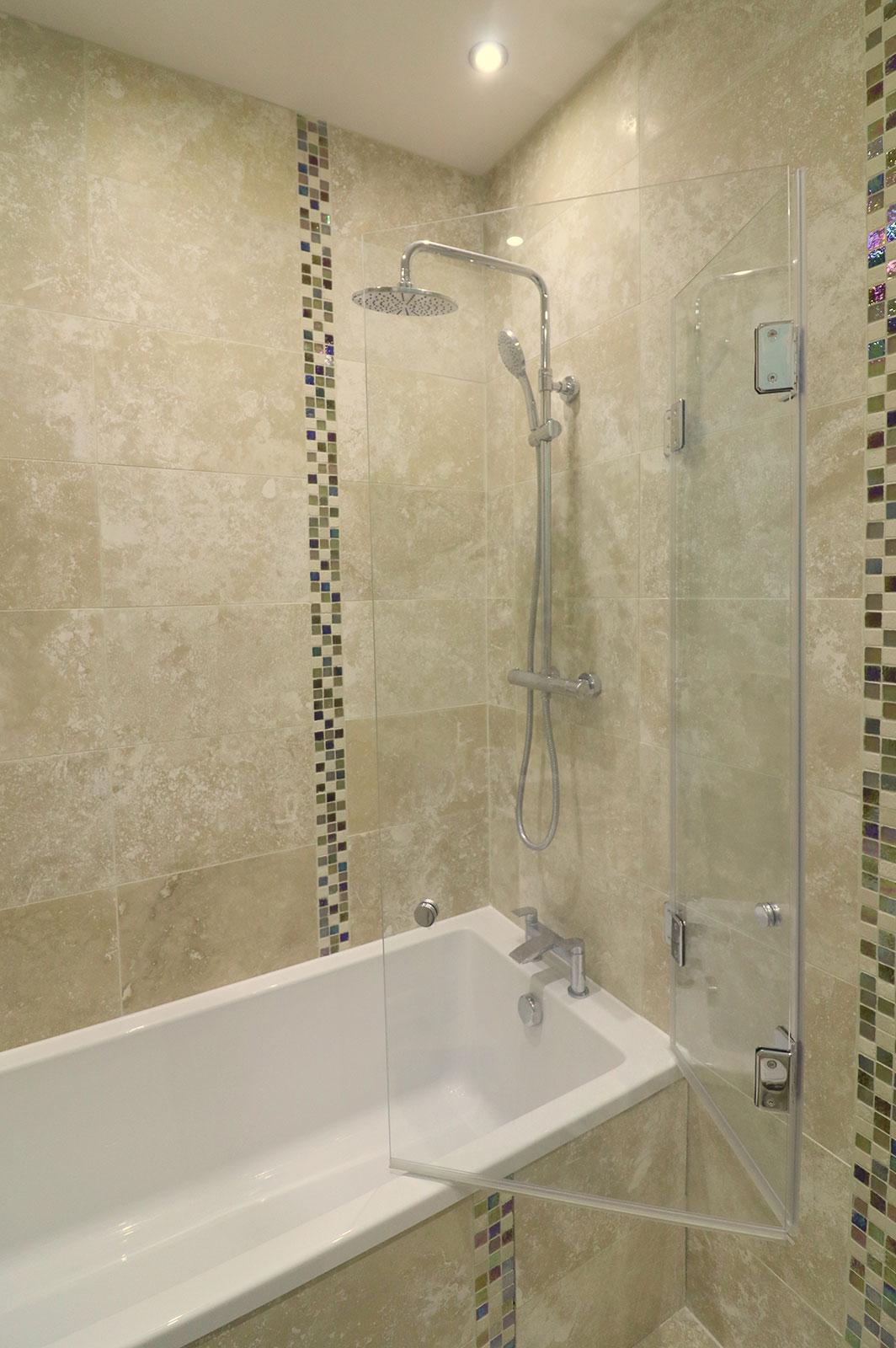 Bespoke Bi-Folding Bath Screen