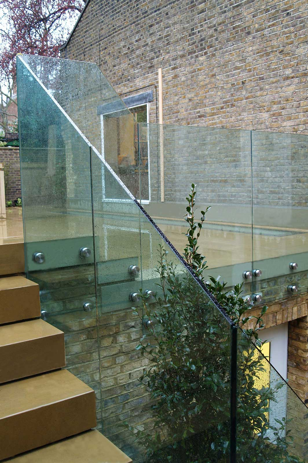 External Frameless Glass Balustrades to Roof Terrace