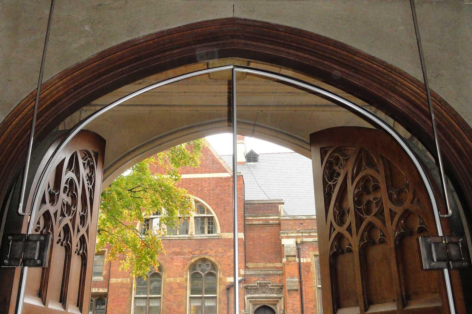 External Frameless Arched Glass Doors