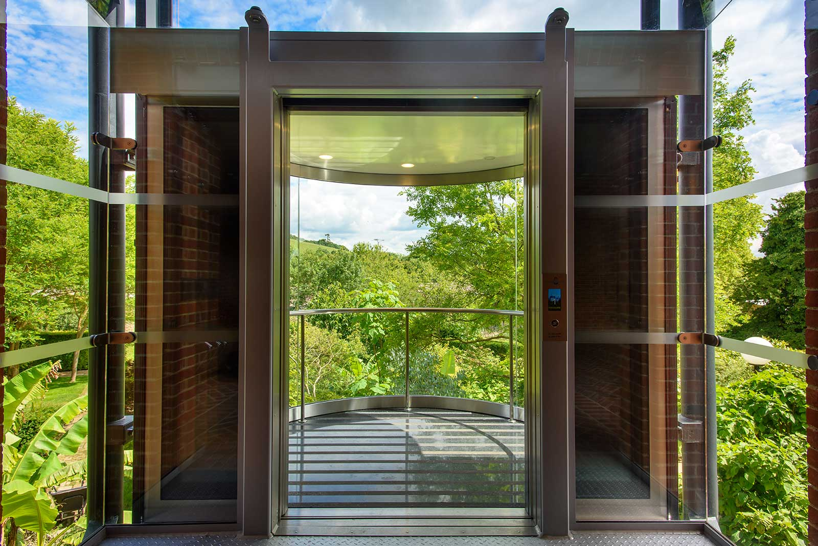 Structural Glass Wall to Elevator Entrance, Glyndebourne