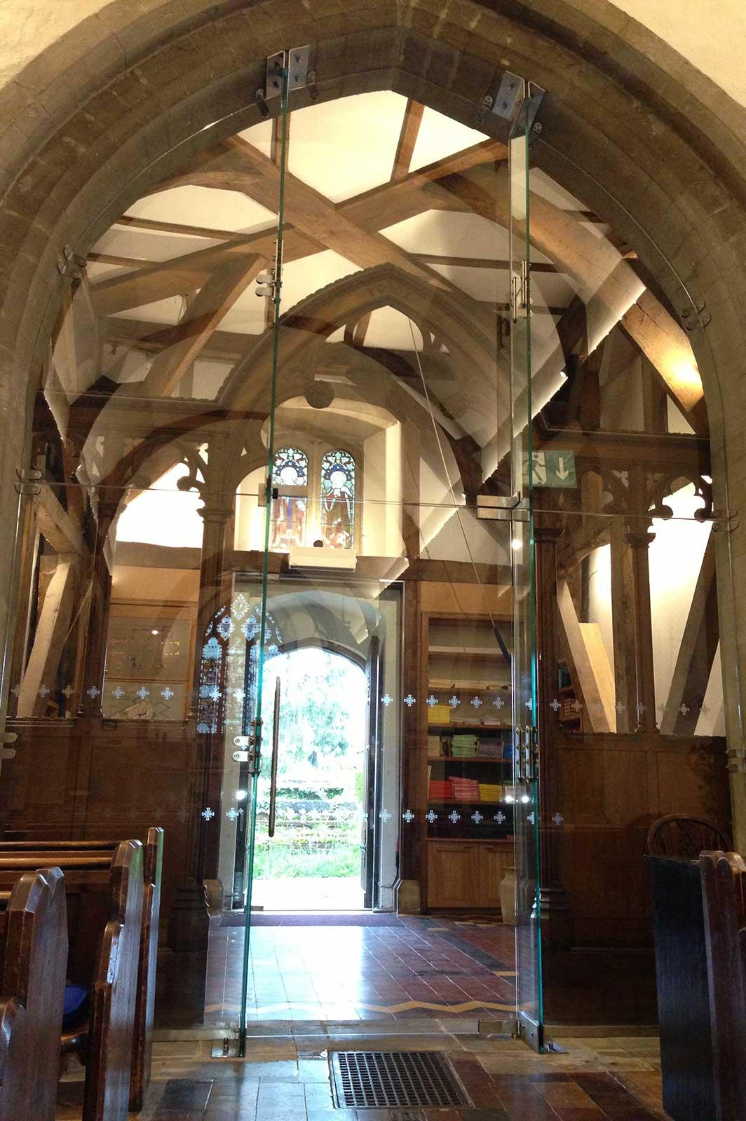 Custom Structural Glass Screen to St. Nicholas Church