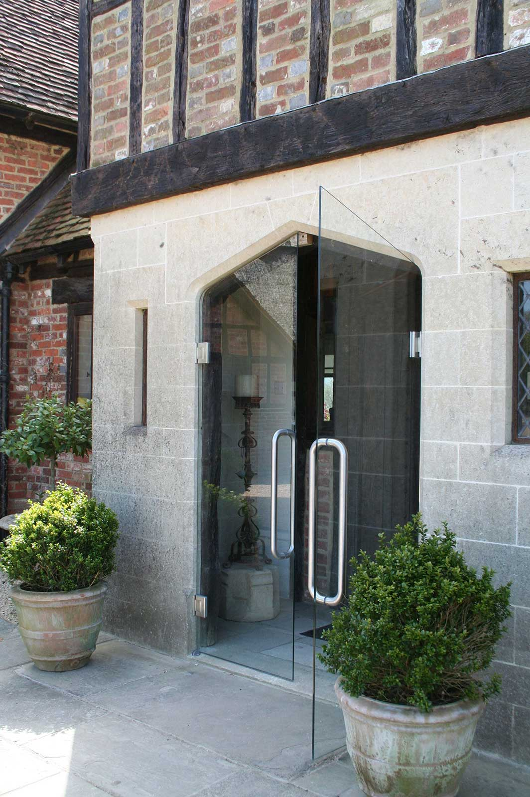 Frameless Glass Arched Double Doors, Streele Farm