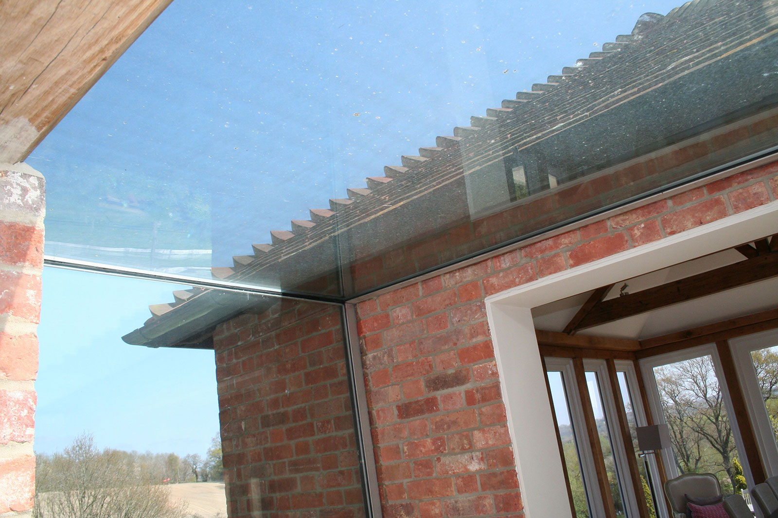 Structural Glass Linkway between Oast House and New Extension