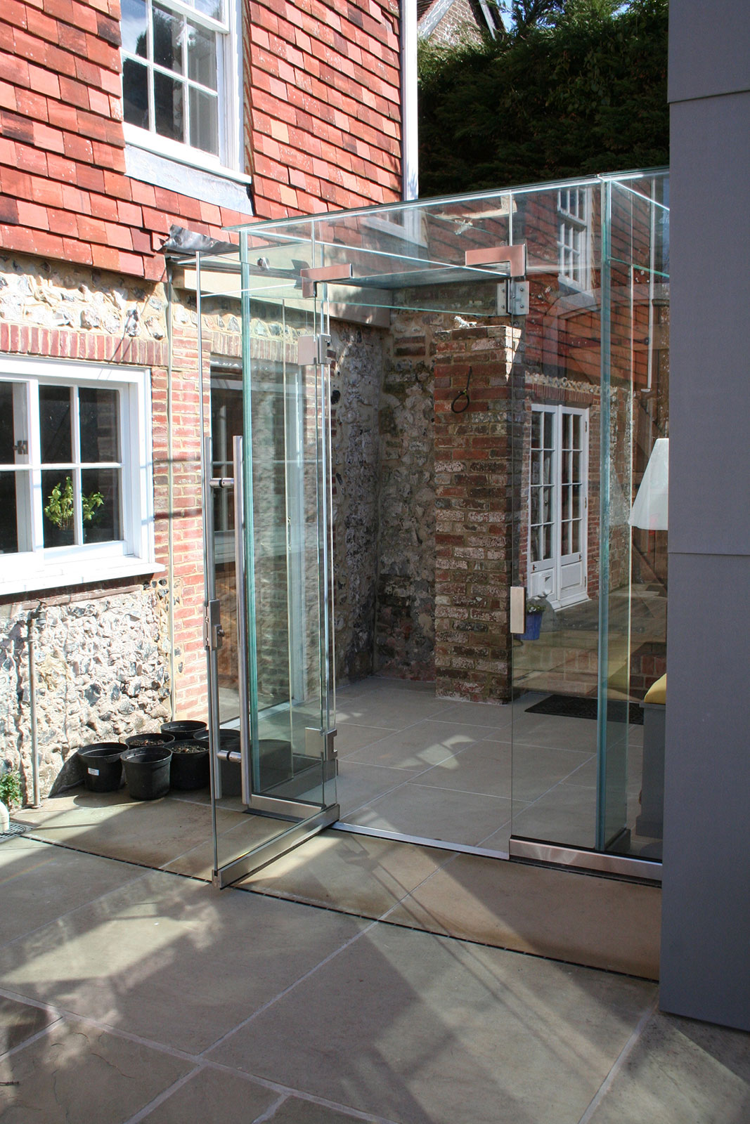 Frameless Glass Link Extension, Church House