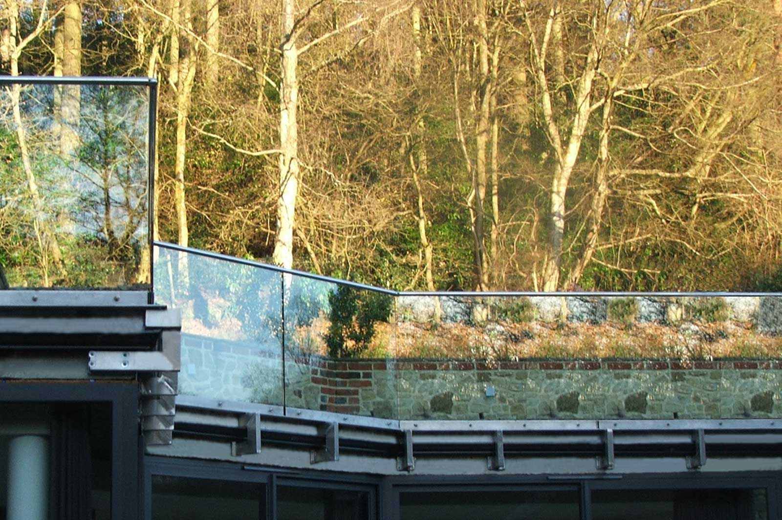 External Glass Balustrades to Roof Terrace