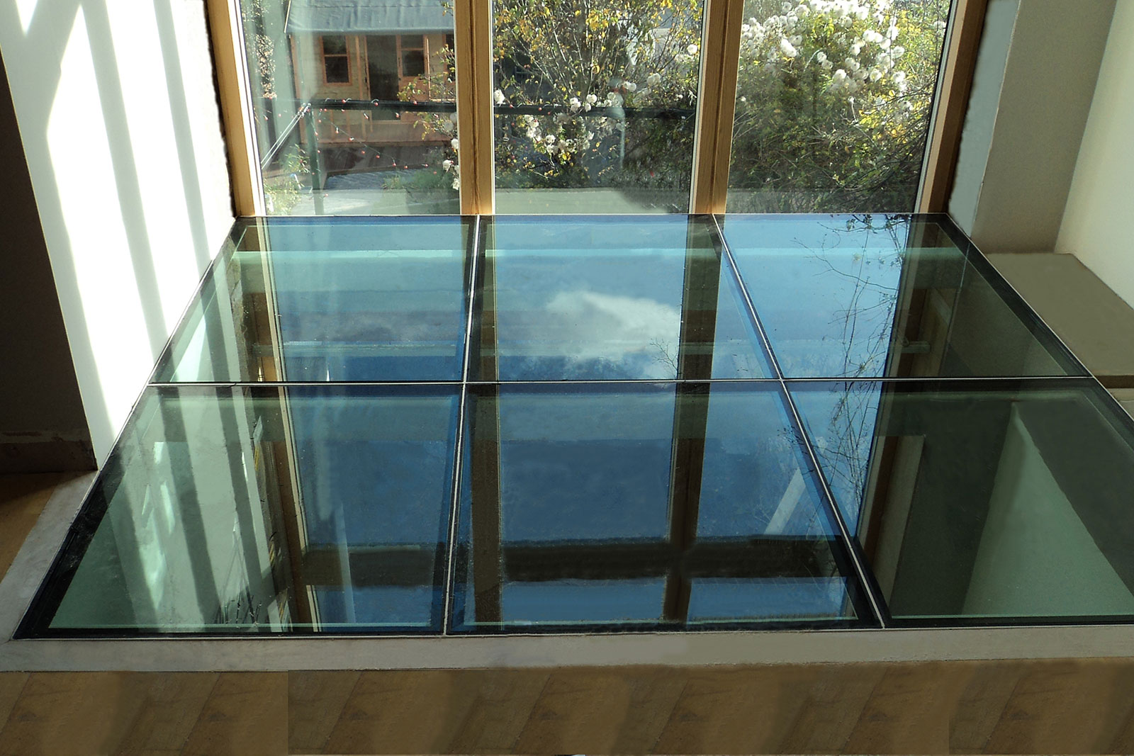 structural glass floors laminated glass floor panels ion glass rh ionglass co uk