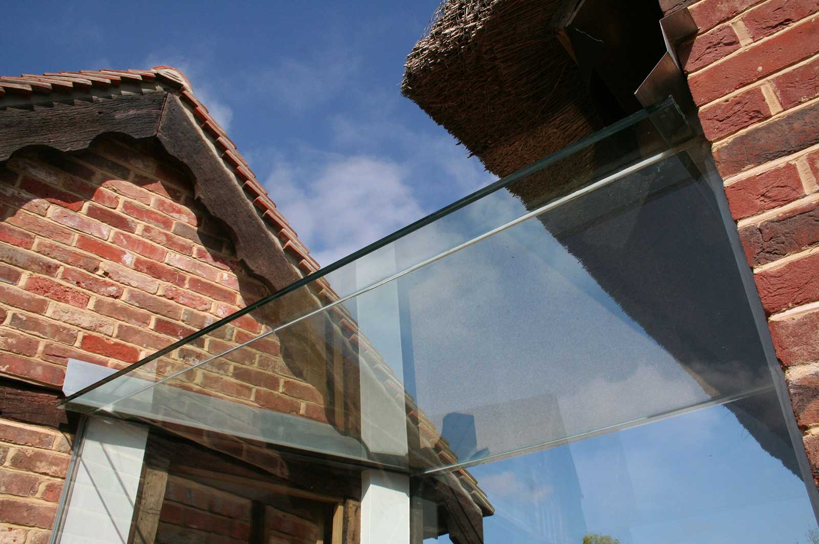 Structural Glass Roof for Glass Linkway