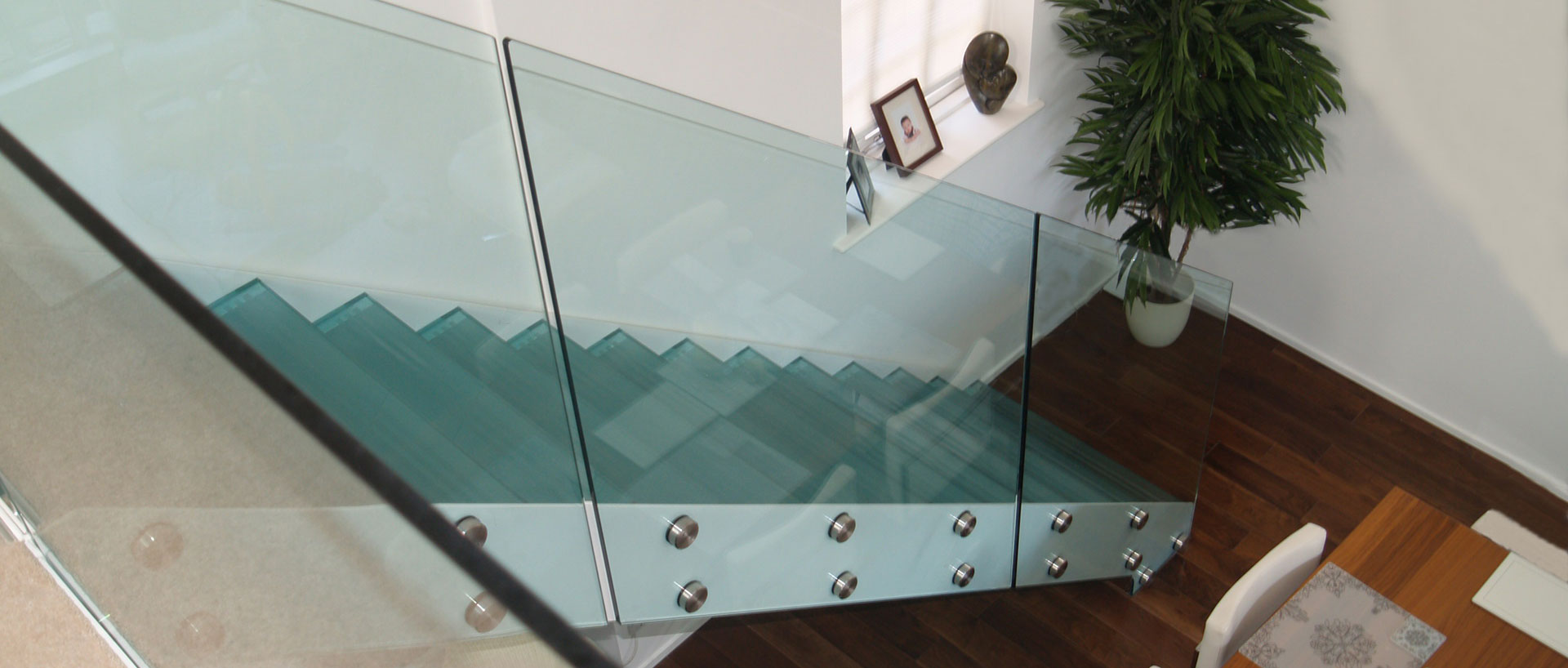 Glass Staircase Balustrade with Glass Stair Treads
