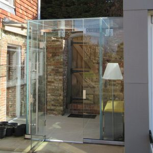 Frameless Structurally Glazed Walkway Link