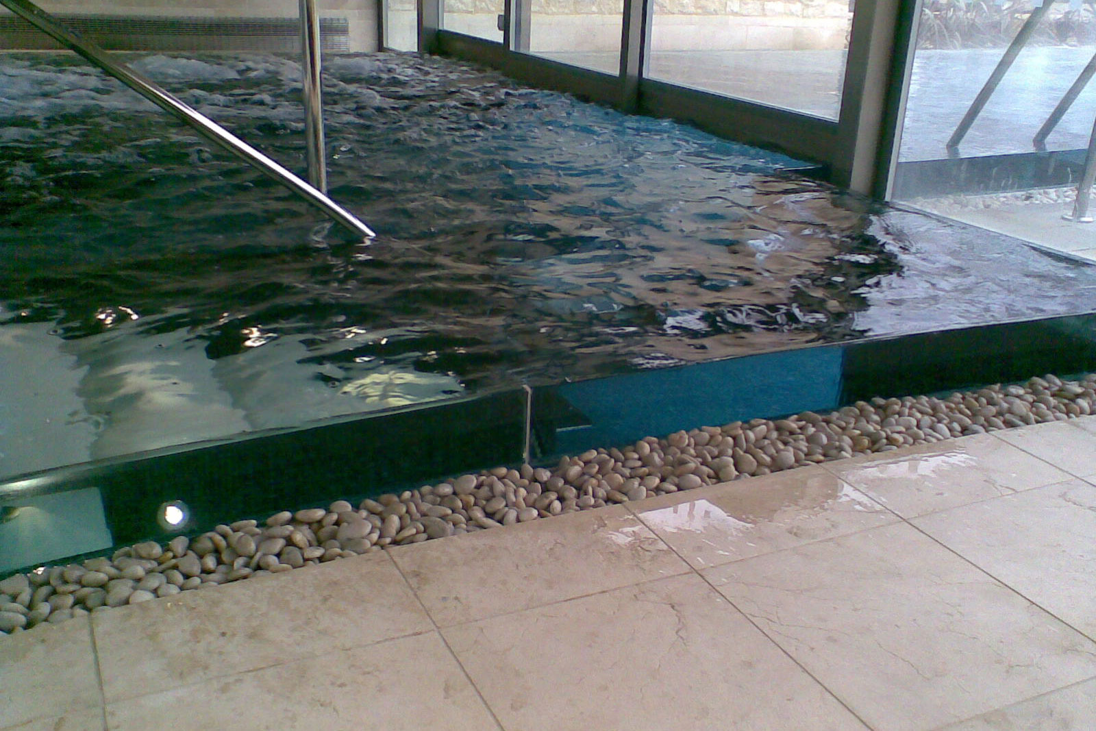Ion Glass Swimming Pool Vision Panel