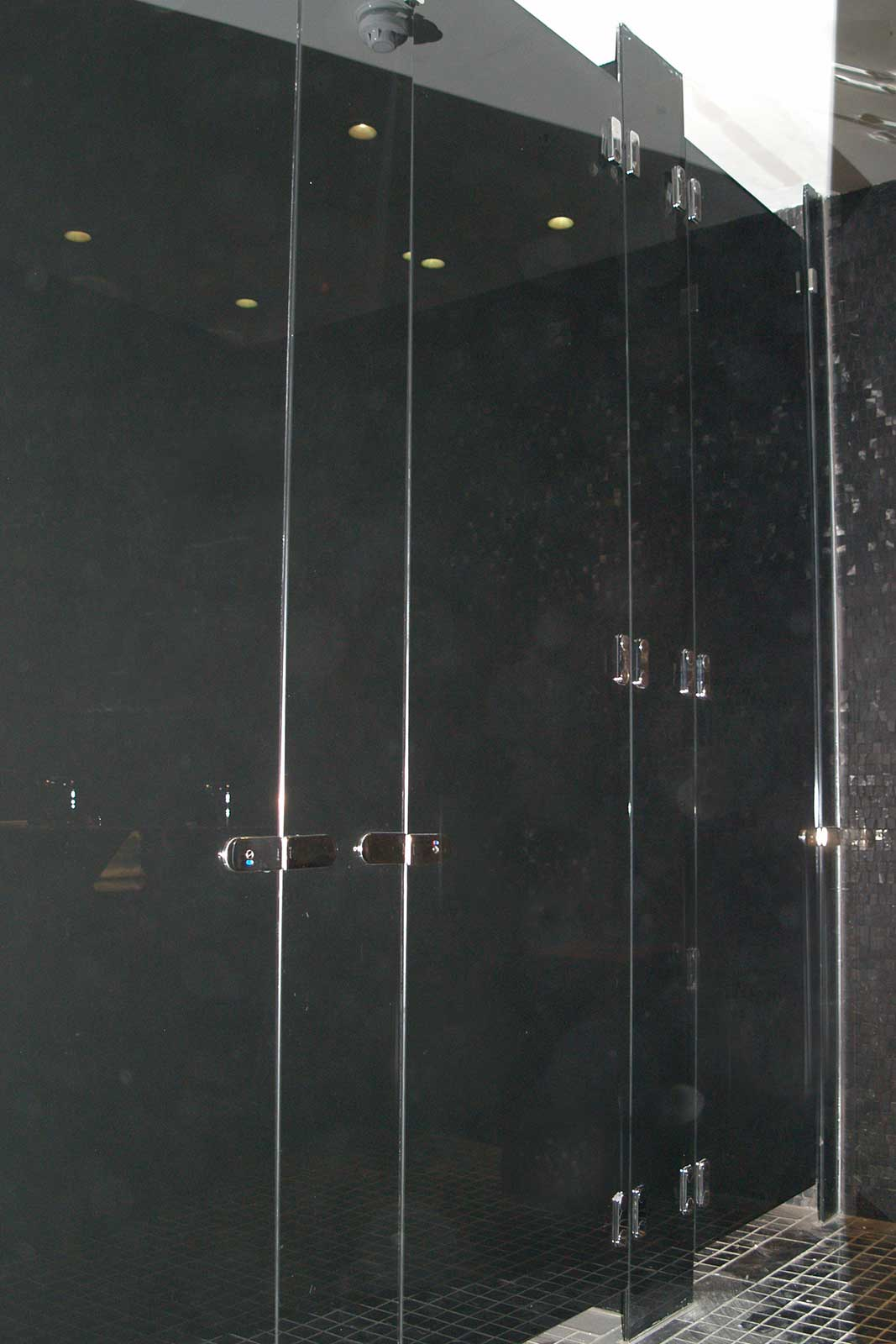 Black Glass Cubicles, O2 Arena