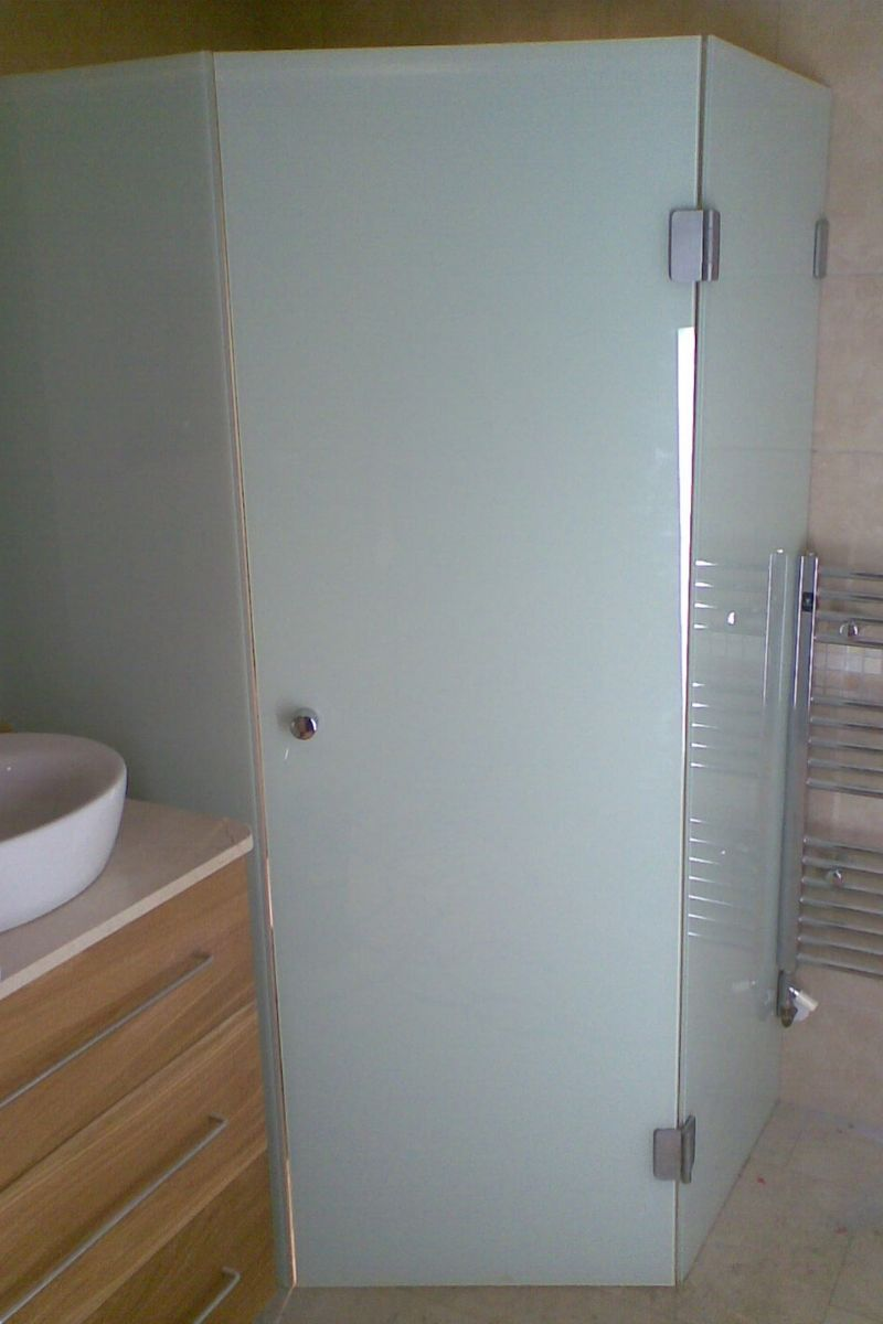opaque glass cubicle