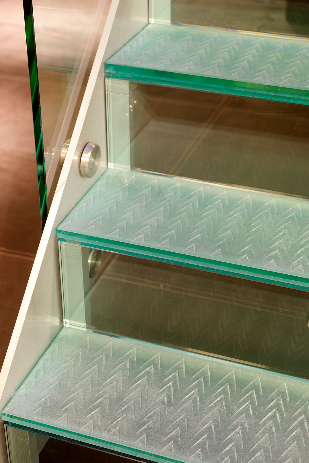 Bespoke Glass Stair Treads with Decorative Interlayer