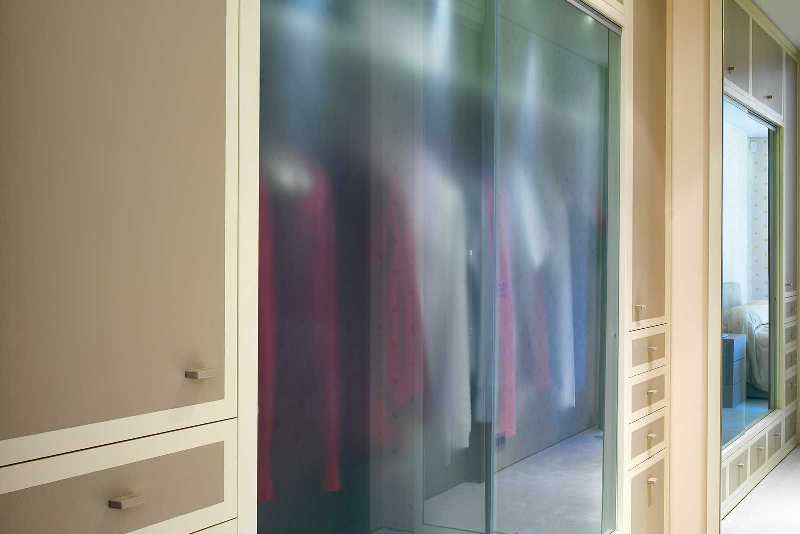 Frameless Sliding Glass Wardrobe Doors
