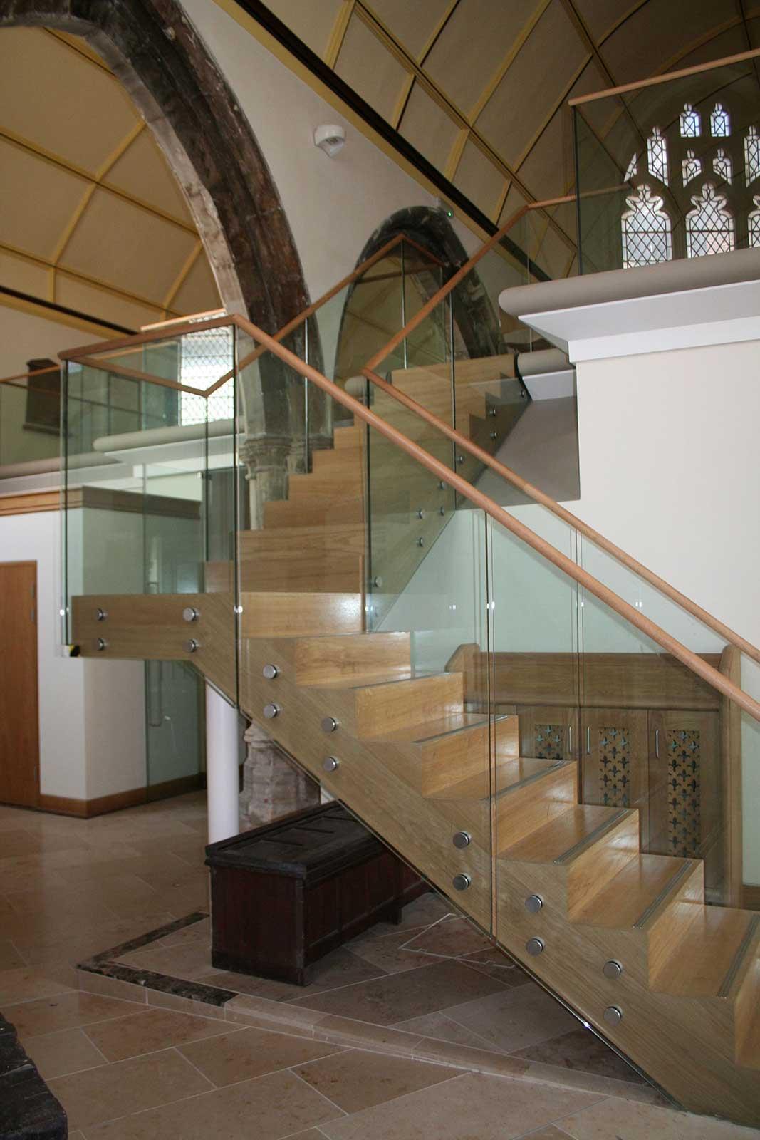Mezzanine floor with glass balustrades