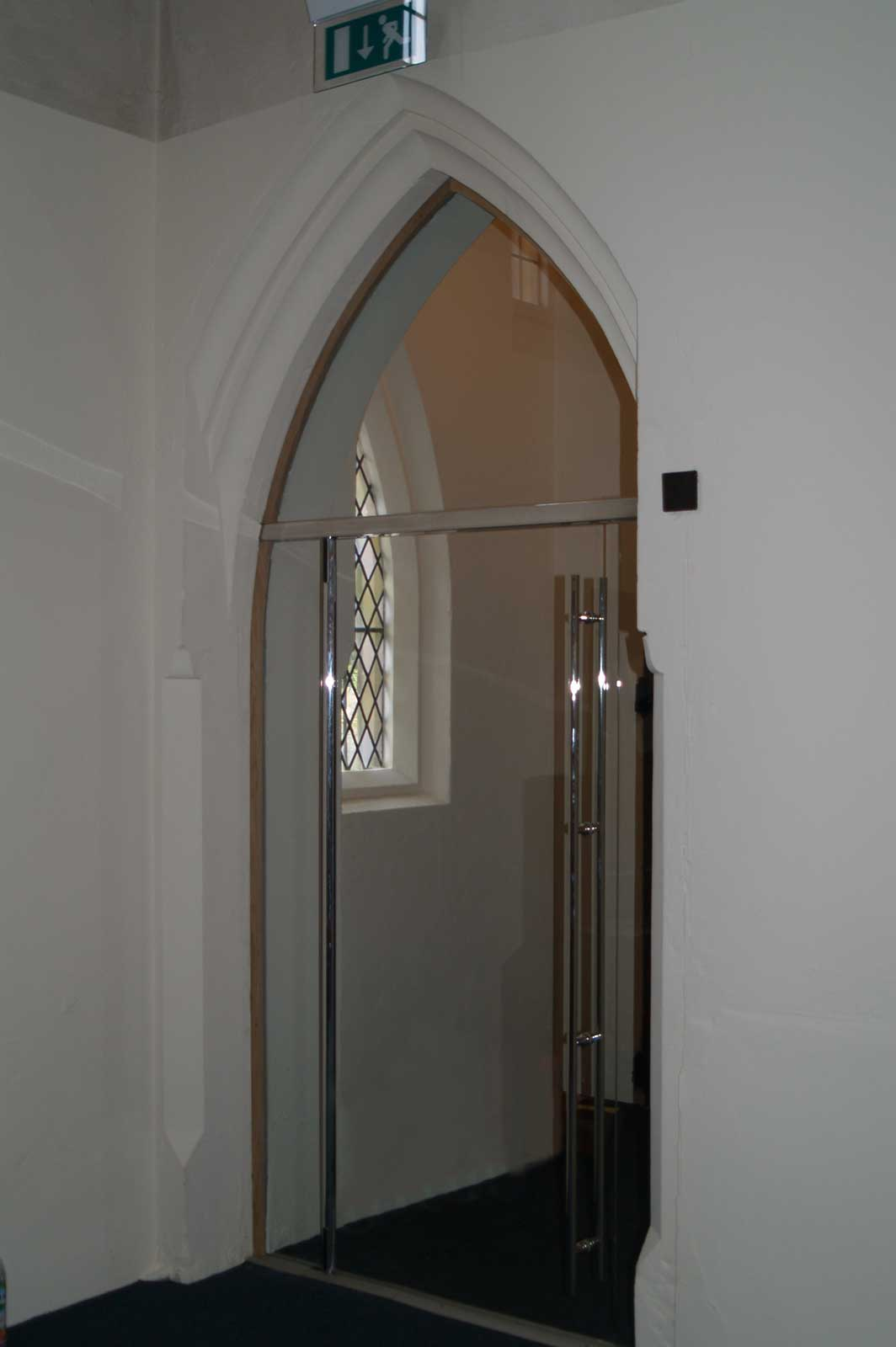 Dorma Beyond Anti-Pinch Glass Door, St. Mark's Church