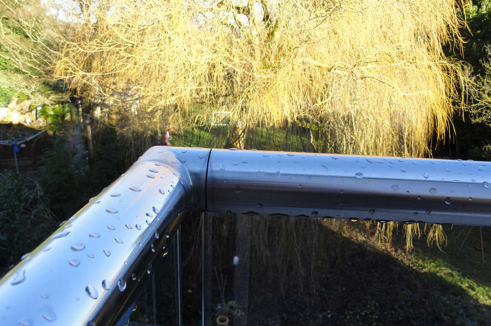 Stainless Steel Handrail to Glass Balcony Balustrade