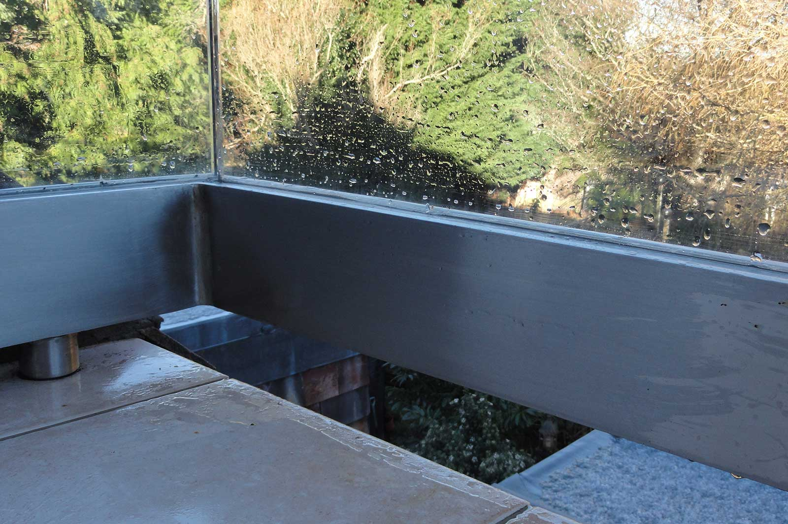 Fixing Detail for External Glass Balcony Balustrade