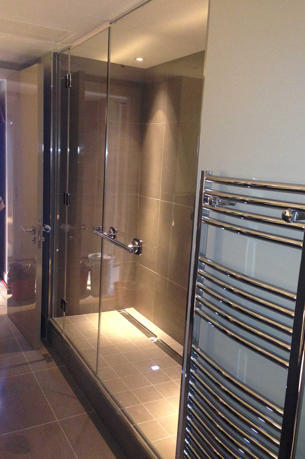 Frameless Custom Glass Shower Screens