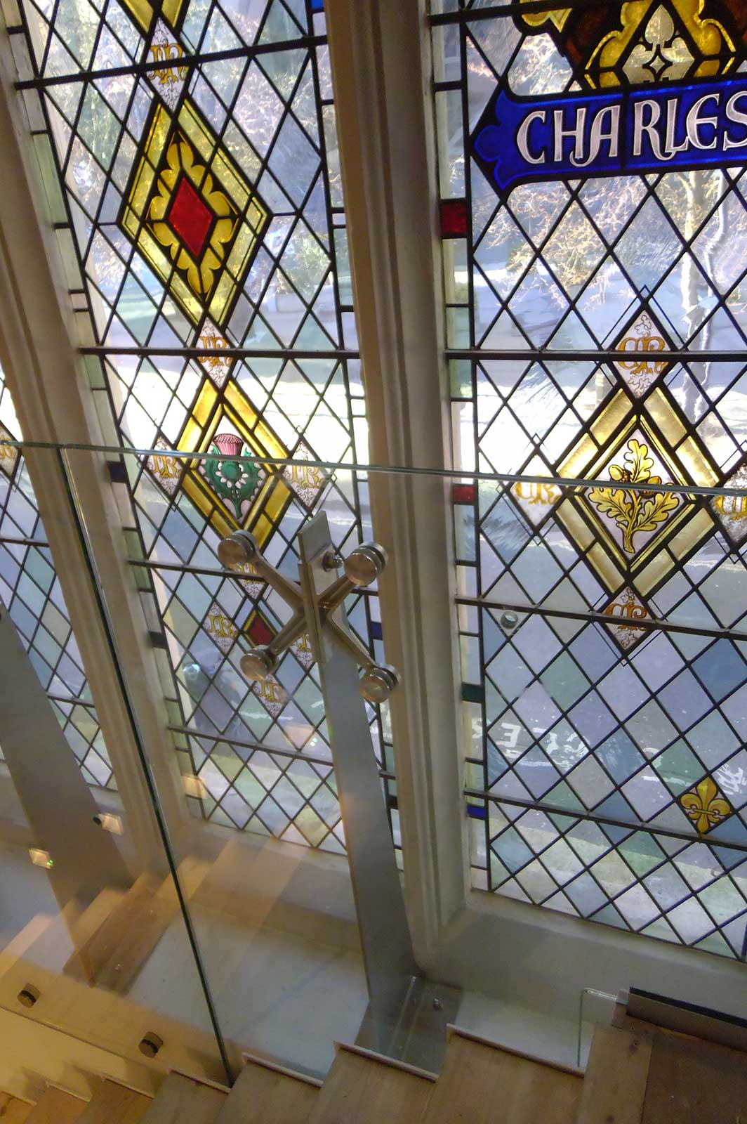 Frameless Glass Screen to Stained Glass Windows