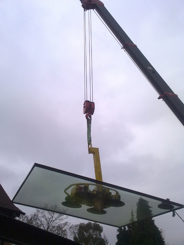 Structural Glass Panels Installation Using Crane