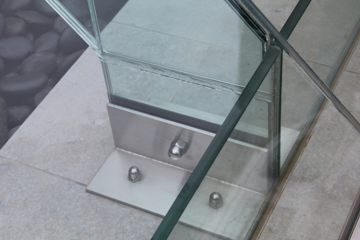 Bespoke Brackets For Structural Glass Fins
