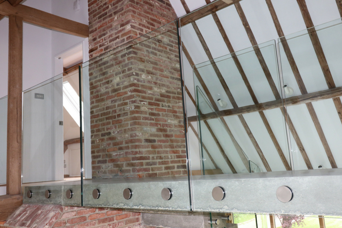 Custom Bolted Glass Balustrade To Bridge