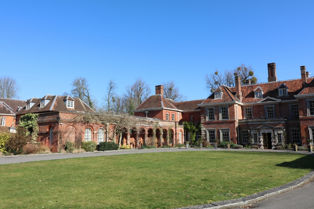Lainston House Hotel & grounds with frameless glass covering heritage Loggia