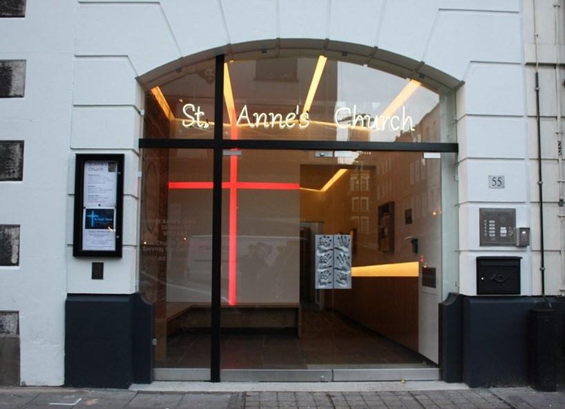 Frameless double glass doors st. anne's church soho