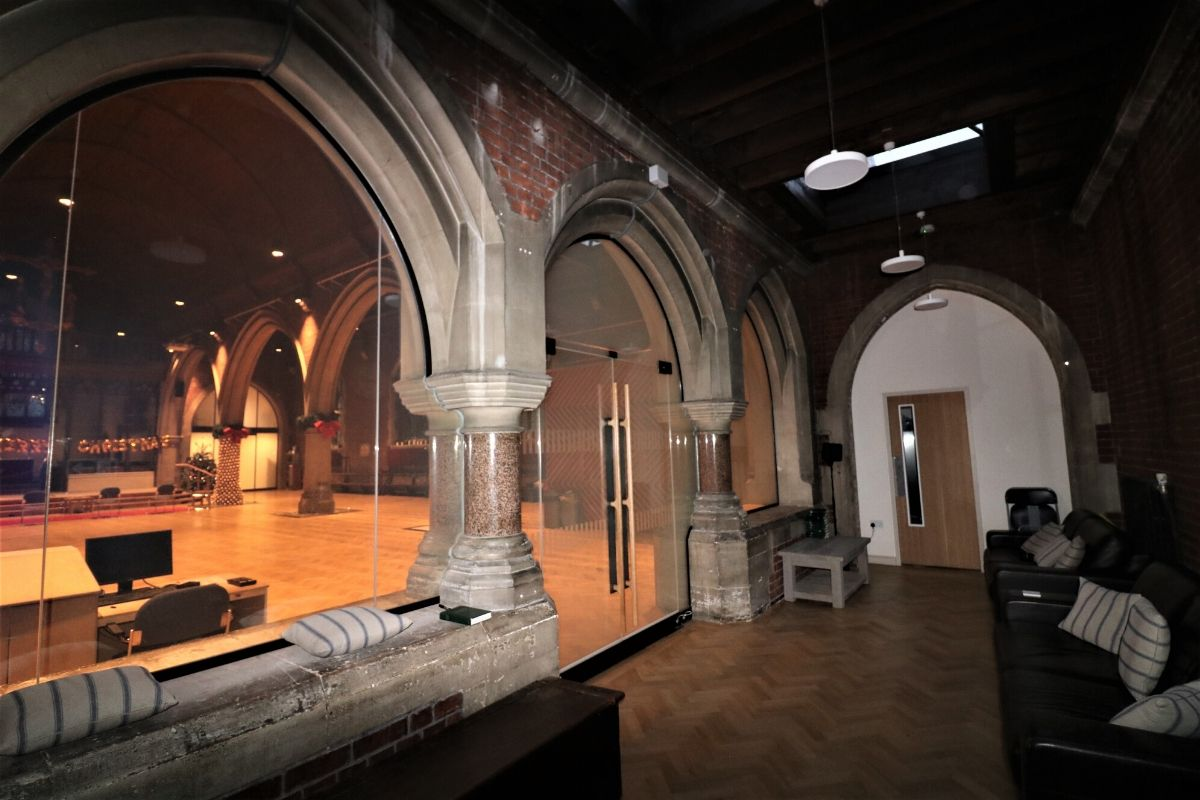 Frameless Switchable Glass Screens-creating-narthex-at-st-dionis-church