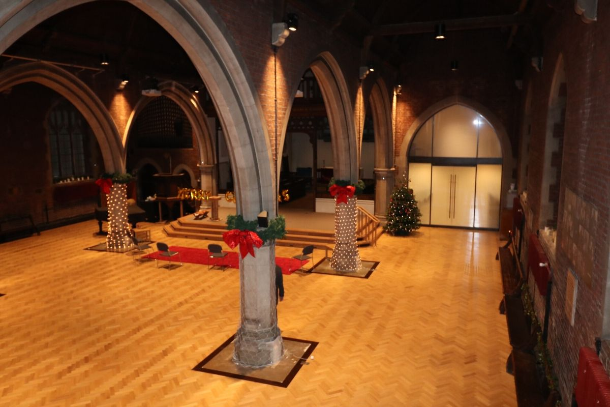 Switchable arched glass screen and double doors St Dionis Church