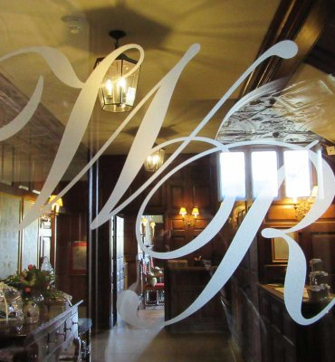 Make A Design Statement On Structural Glass Ionglass